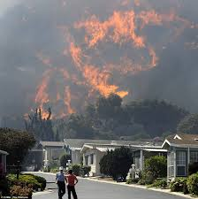 California Wildfire Evacuation Plan by California Wildfire 2013 Hundreds Flee Homes And University