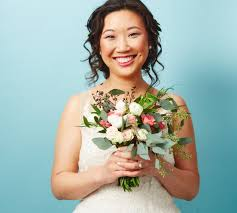 unique ways to wear wedding hair flowers popsugar beauty australia