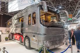 glamping bildergalerie der luxusliner zum träumen caravan salon 2017