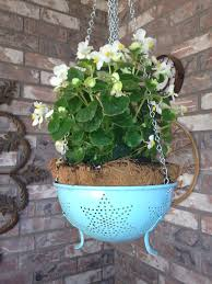 how to make a hanging planter from a colander