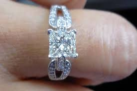 pre owned engagement rings buying pre owned for engagements