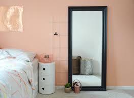 Wandgestaltung Schlafzimmer Altrosa Eine Wand In Der Farbe Von Pfirsich Sorbet Pfirsich Sorbet