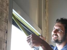Installing Curtain Rod How To Hang Curtain Rods How Tos Diy