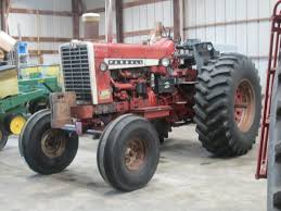 viewing a thread collector tractor for you ih guys