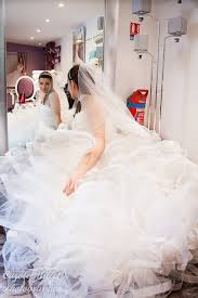 essayage robe de mari e essayage de la robe de mariée carole millet photographe
