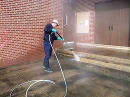 Cleaning Patio With Pressure Washer Pressure Washing