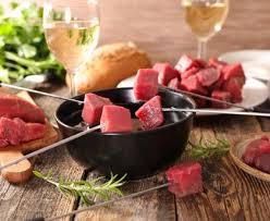 cuisiner viande à fondue fondue bourguignonne et sauces d accompagnement recette de