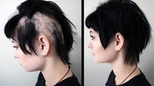 women hair cut to cover bald spot on top of head how to cover hair loss thinning hair heythereimshannon youtube