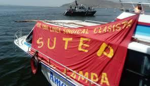 Huelga Flag Puno Maestros En Huelga Llevaron Protesta Hasta El Lago Titicaca