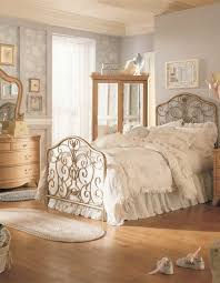 Sweet Vintage Bedroom Décor Ideas To Get Inspired DigsDigs - Ideas for vintage bedrooms
