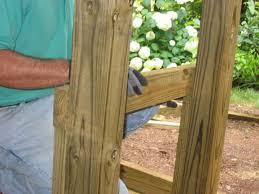 Harvester Oak Laminate Flooring How To Build A Rainbarrel Platform How Tos Diy