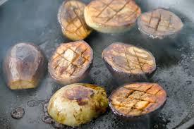 cuisiner aubergine a la poele recette aubergine a la poele escalopes panes cette recette compose