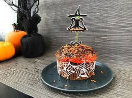 easy diy witch halloween cupcake toppers 100 directions