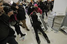target indianapolis black friday sale black friday shoppers brawl as chaos surrounds shopping ny daily