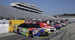 Flags In Nascar Trump U0027proud Of Nascar U0027 For Protest Free New Hampshire Race