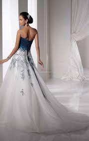 robe de mari e bleue robe de mariée bleu et blanc pas cher le mariage