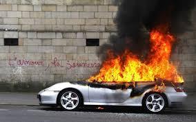 voiture de sport 2016 manifestations à nantes une porsche en feu enflamme la toile
