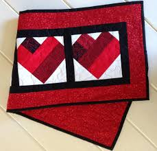 quilted valentine u0027s day table runner in red white and black