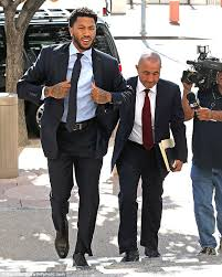 Derrick Rose Jersey Meme - derrick rose arrives in court late to face ex girlfriend who claims