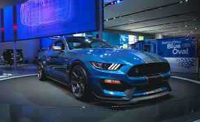 mustang gt curb weight ford releases shelby gt350r curb weight here s what we think it