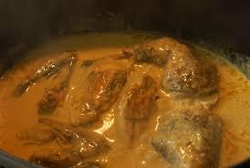 cuisine pintade cocotte pintade en cocotte à la crème safranée 3 5pts part 1jour1recette