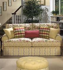 Floral Living Room Furniture Cottage Floral Sofa Im Getting So I Just Adore Sofas Comprised Of
