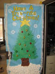 pierce public schools elementary has door decorating contest