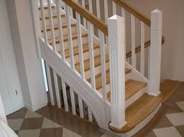 geschlossene treppen montagebau karstens günstige holztreppe lübeck weiße treppen