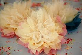 bouquet en papier greedy for colour tissue paper and tulle flower tutorial