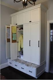 Mudroom Cabinets by 25 Best Ideas About Mudroom Cabinets On Pinterest Mudroom Mud