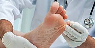 can toenail fungus cause bleeding or nerve damage