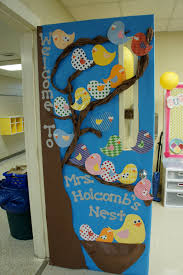 thanksgiving classroom door decorations using a bird and tree theme with the title