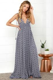 what is a maxi dress the right way to wear summer maxi dresses fashionarrow