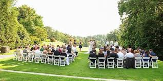 Country Backyard Wedding Country Club Of Asheville Weddings Get Prices For Wedding Venues