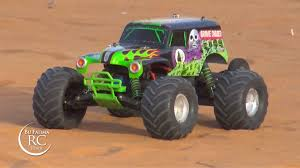 grave digger monster truck fabric dunes action with traxxas 1 10 grave digger youtube