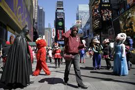 times square performers to be in zones 3 arrested over tips