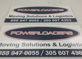 brand with box truck graphics for moving companies in miami fl