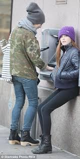 julianne moore house julianne moore and her lookalike 11 year old daughter liv bundle up