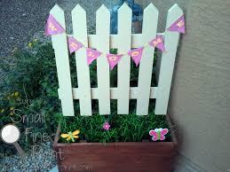 picket fence planter smallfineprint