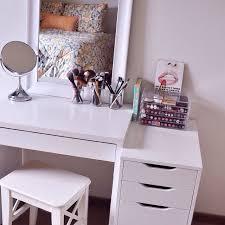 Small Vanity Table Pinterest Omgalaina Home Sweet Pinterest Vanities