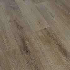 prestige cortina oak laminate flooring 50 fast uk delivery