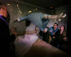 enter into the exorcist at universal u0027s halloween horror nights
