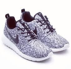 blue patterned shoes shoes nike nike sneakers white black pattern nike free 5 0