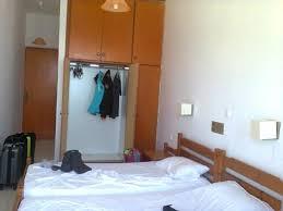 chambre zoe chambre spartiate mais à notre goût picture of hotel zoe bali