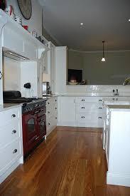 horloge pour cuisine moderne horloge moderne cuisine idées de design maison et idées de meubles