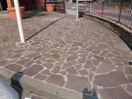pavimentazione giardino prezzi pietre per viali e porfidi per esterni
