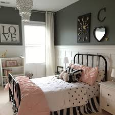 Black And White Bed Best 20 Black Iron Beds Ideas On Pinterest Black Spare Bedroom