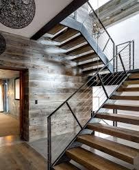 treppen holzstufen rustikales design treppen holz metall luxus materialien treppe