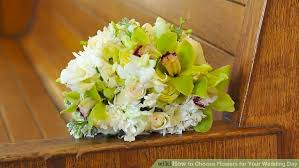 Cheapest Flowers For Centerpieces by How To Choose Flowers For Your Wedding Day 12 Steps