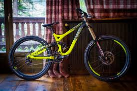 commencal dh supreme look 2015 commencal supreme dh comp and dh park mountain